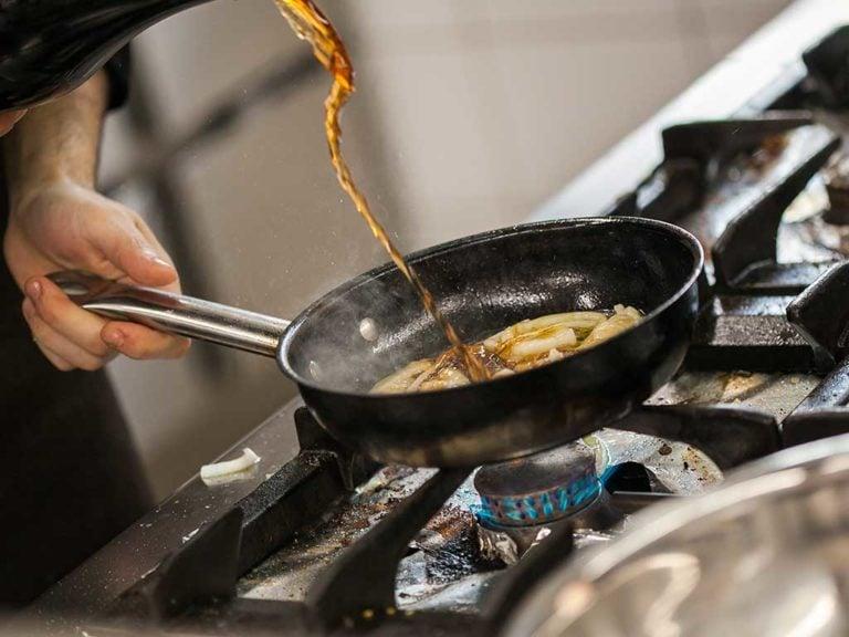 pfanne küche braten