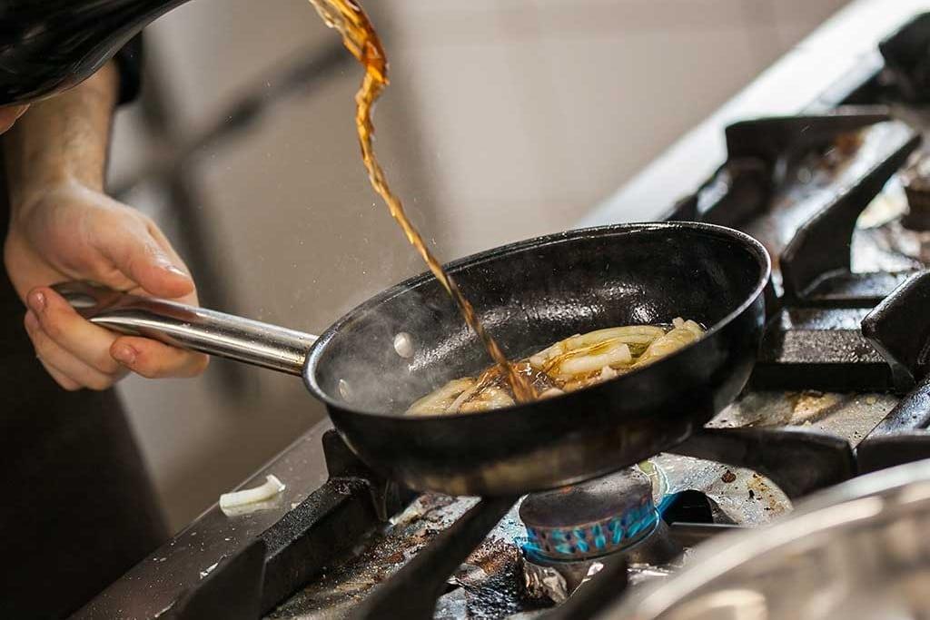 küche pfanne